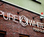 Pure White Foodclub